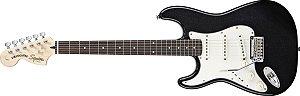 Guitarra para Canhotos FENDER 032 1620 - Squier Standard Stratocaster LH - 565 - Black Metallic