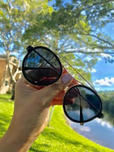 b06925bd1 Óculos de Sol Feminino Retro Preto c/ Dourado - Guees Money Outlet