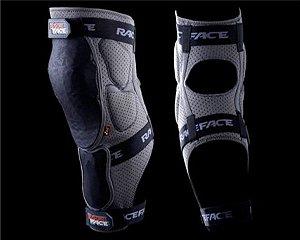 Joelheira Race Face Flank Leg Slate - Medio