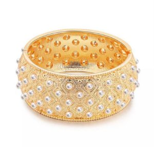 Bracelete Cravejado Em Mini Perólas