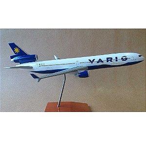 MAQUETE VARIG MD-11 34CM