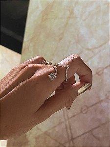 Anel Djulas  Diamantes e Baguete