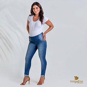 Calça Gestante Skinny Jeans claro com dobra na barra