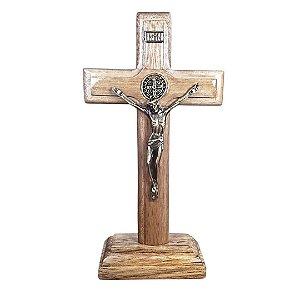 Crucifixo Madeira com medalha de São Bento 19 cm