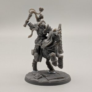 """Cavaleiro Templário """"C"""" com Elmo - Irmandade do Réquiem - Miniatura Artisan Guild"""