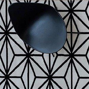 Tapete Sala / Quarto / Simetria 10 Offwhite Preto Resistente e Confortável