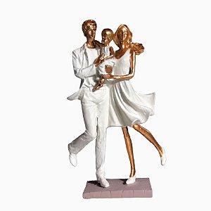 Escultura em Resina Família RO3-A