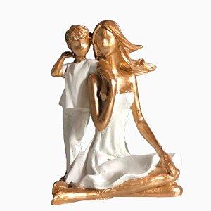 Escultura em Resina Família RO5