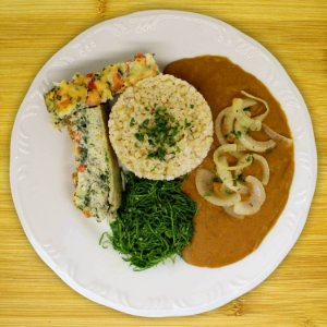 Omelete de espinafre com tutu (vegetariano)