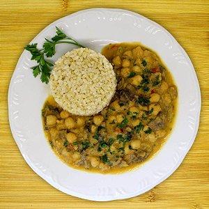 Estrogonofe de grão-de-bico (vegetariano)