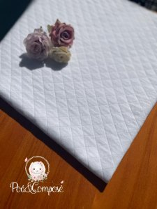Malha Matelassê cor Branco (Corte 40x40)