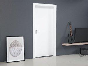 Kit porta pronta em Melamina Branca medindo 2100x800x130mm  com fechadura e dobradiça (aplicação em paredes de alvenaria)