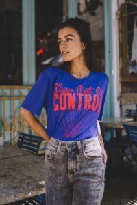 T shirt Azul - Out Of Control