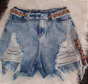 Short jeans c/ detalhes em pedra