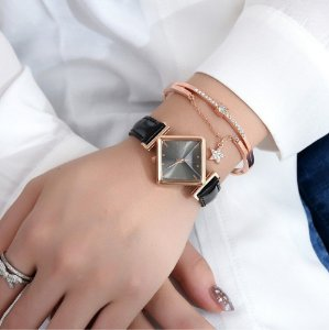 Kit Relógio Feminino Quartz Losango Couro + Pulseira super Luxo Cores variadas