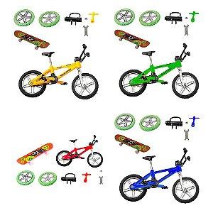 Bicicleta com assessórios e skate de dedo