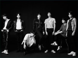 Cortina Kpop BTS Love Yourself Tear