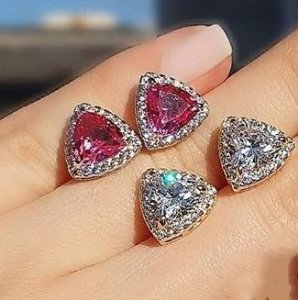 Brinco Cristal Rosa Triângulo Cravejado Folheado Ródio