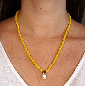 Colar Miçangas Amarelas & Pérola Gota Folheado Ouro Amarelo 18k