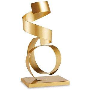 Escultura Dourada em Metal
