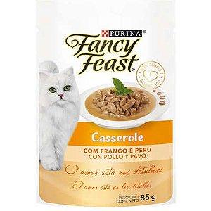 Racão Úmida Purina Fancy Feast Sachê Casserole com Frango e Peru para Gatos Adultos 85g