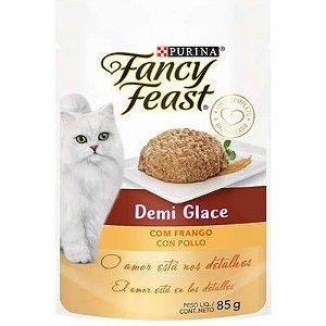 Racão Úmida Nestlé Fancy Feast Sachê Demi Glace com Frango para Gatos Adultos 85g