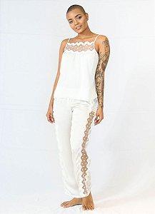 Pijama Seda Off-White e Guipir Lateral