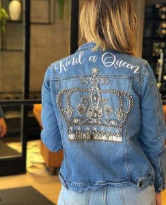 Jaqueta jeans coroa bordada villon