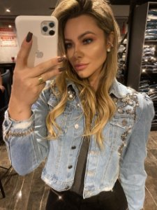 jaqueta jeans bordada frente e punho villon