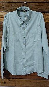 camisa jeans com detalhe em renda