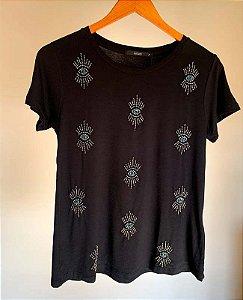 T-shirt bordada olho pequeno villon