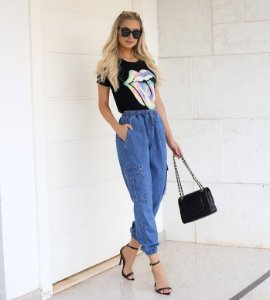 Calça jeans Jogger katia bolso lateral