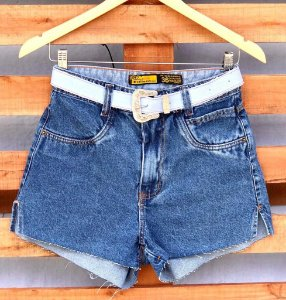 Short Jeans Liso Cinto Fivela