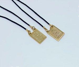Escapulário em aço banhado em ouro