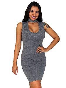 Vestido curto feminino gola choker - sem mangas.