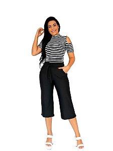 Conjunto blusa listrada e calça pantacourt