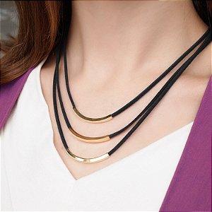 Colar detalhes geométricos couro camurça black folheado a ouro 18K hipoalergênico