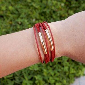 Pulseira de couro feminina vermelha detalhe geométrico folheada a ouro 18K hipoalergênico