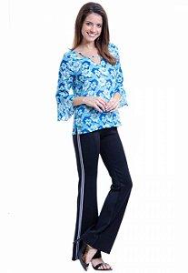 Blusa Decote V em Viscose Estampada Floral Azul