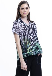 Camisa chifon Animal Print Zebra Folhas Preto Verde