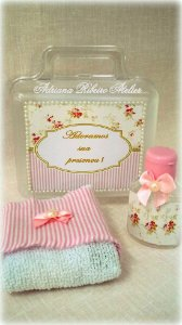 Lembrancinha Maternidade Maleta Menina