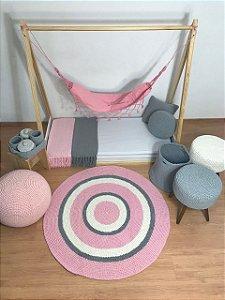 Tapete Infantil Crochê Rosa Branco e Cinza