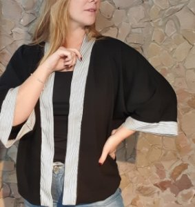 Kimono preto e branco