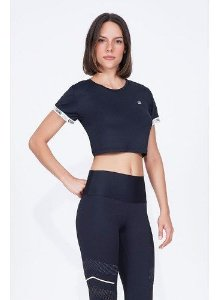 T-shirt Alto Giro Skin Fit Breeze Preta