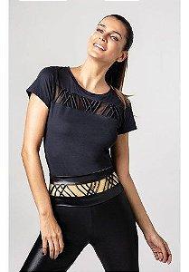 T-shirt Alto Giro Skin Fit Roletes Frente Preta Fernanda Mot