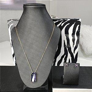 Conjunto colar e brincos com pingente cravejados em zircônias roxas em forma retangular banhado em ouro 18k + esmalte