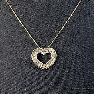Colar com pingente em forma de coração banhado em ouro 18k