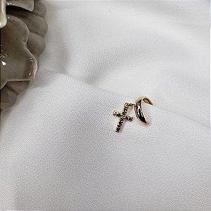Piercing de pressão com pingente cravejado com zirconias e banhado em ouro 18k