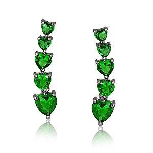 Brinco ear cuff com corações esmeralda