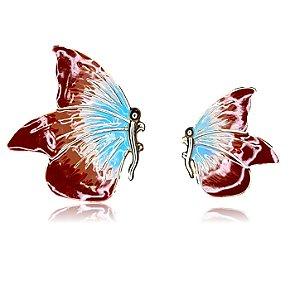 Brinco borboleta assimétrica marrom e azul